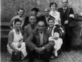 Mitglieder DRK Siersleben;  Dorfplatz Bushaltestelle Hettstedt ca. 1953