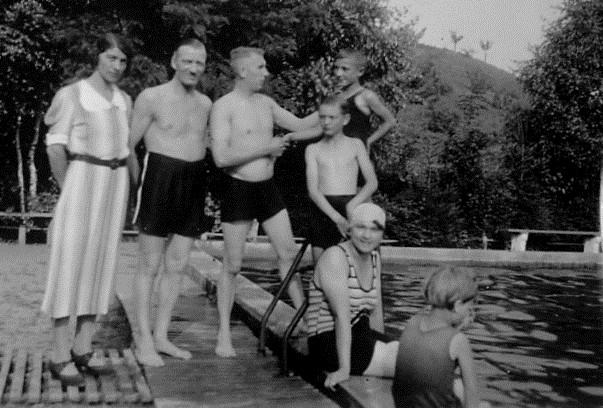 Willi Anna Werner Schneemann und Freunde Augsdorf Freibad 1936