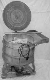 waschmaschine aus holz mit drehreuz um 1962