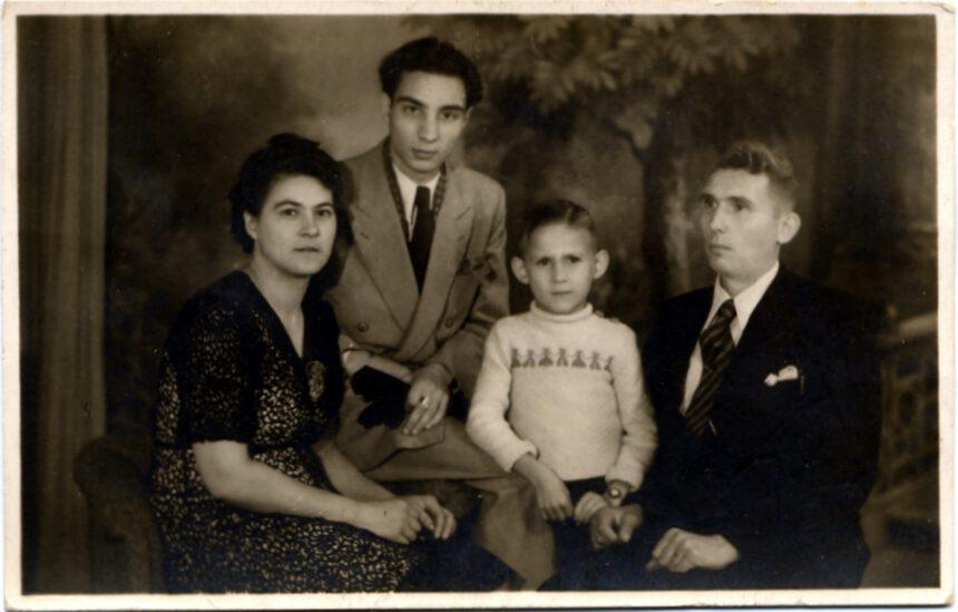 Familie Schneemann; 1949