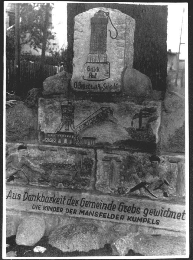 denkmal aus dankbarkeit der gemeinde grebs gewidmet, 1955